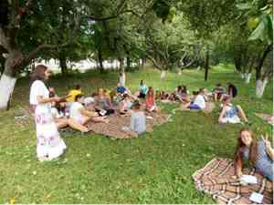 Табір у Маліївцях (фото в саду)